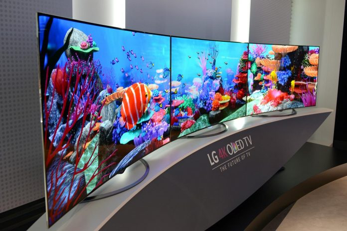 Forget foldable phones, LG's 'rollable' 4K OLED TV will go on sale in 2019