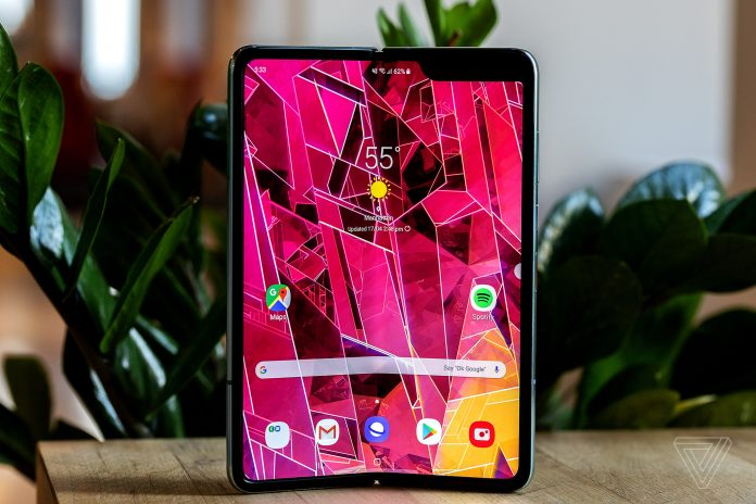 Rushing foldable phones doesn't work. Just ask Samsung and Huawei