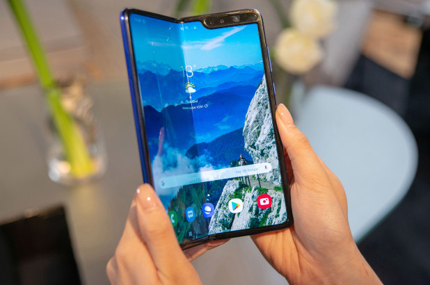 Samsung's $2,000 Galaxy Fold foldable phone is hitting US stores this week