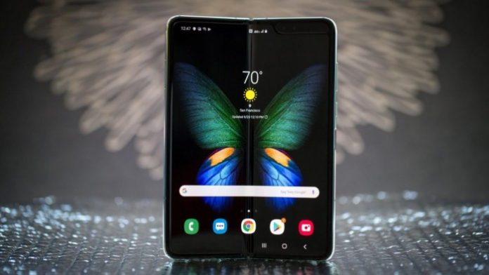 Sam Rutherford: A Month With the Improved Galaxy Fold and I Actually Still Like It